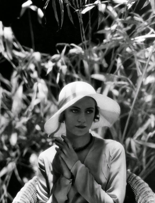 Lee-Miller-by-Edward-Steichen-1928